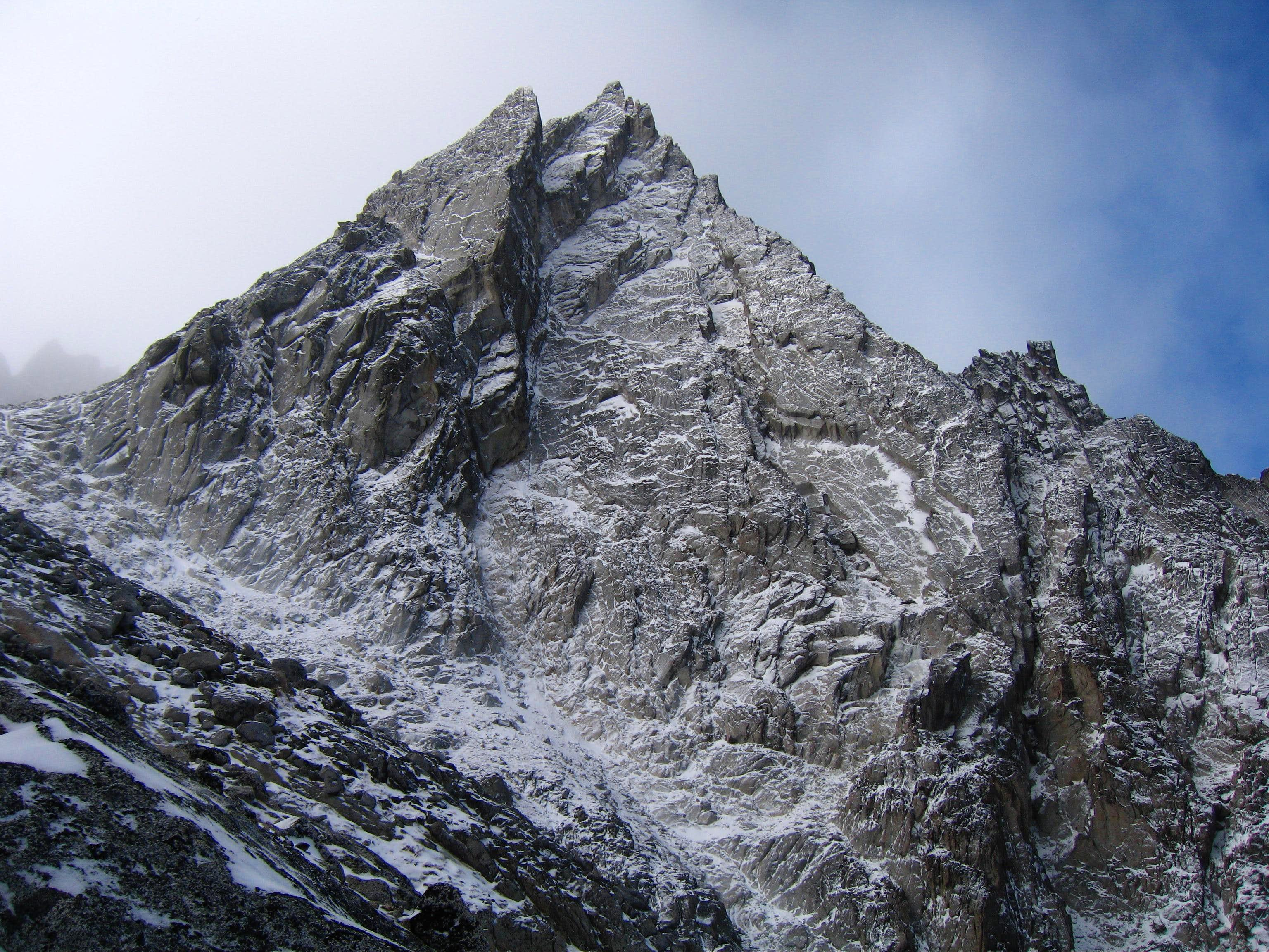 McClellan Peak, Dragontail Peak