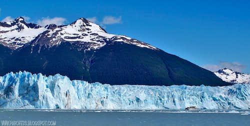 Perito Moreno in all its glory and size