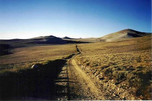 Long dirt road to trail head....