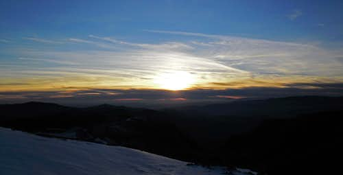 A cold sunset over Bucegi (from Omu)