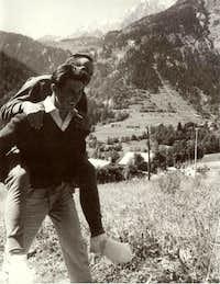 Bonatti carrying Mazeaud