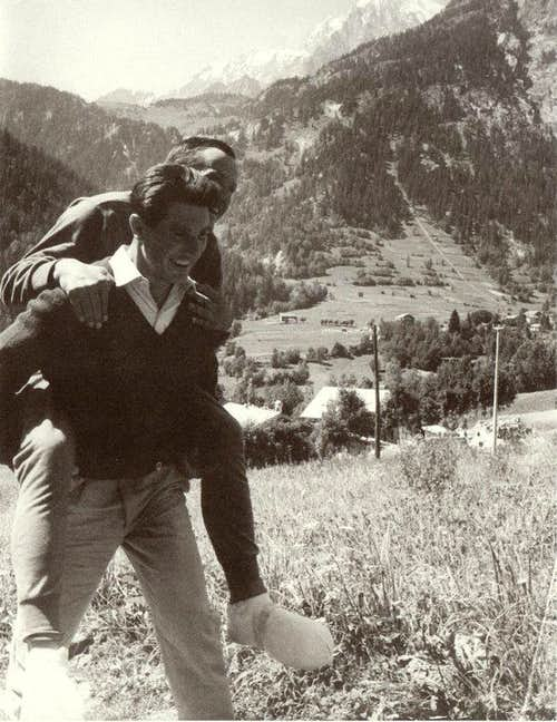Bonatti carrying Mazeaud