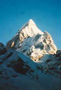 Unknown peak in the Khumbu