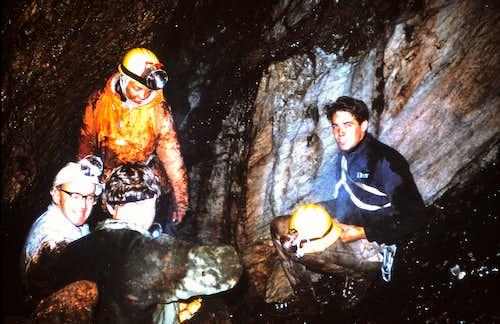 Newton Cave 1967