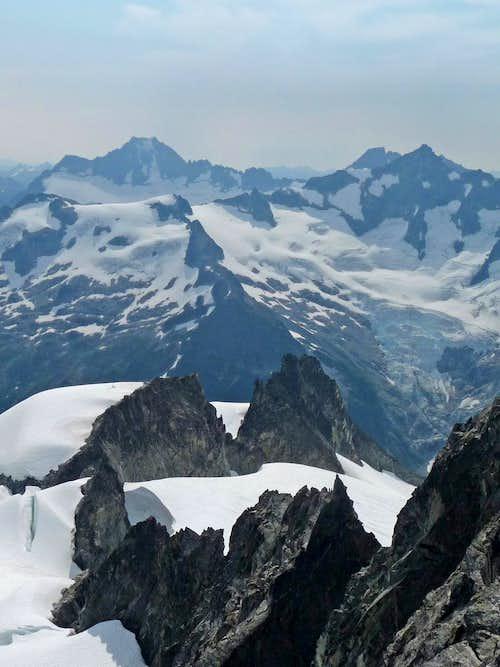Klawatti's dicey looking East Ridge
