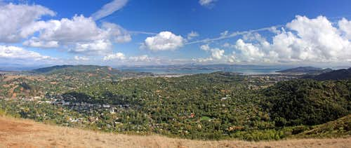 East panorama from Bald Hill