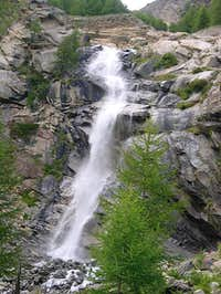 Gran Paradiso GROUP: final waterfall of the Grand Lauson creek
