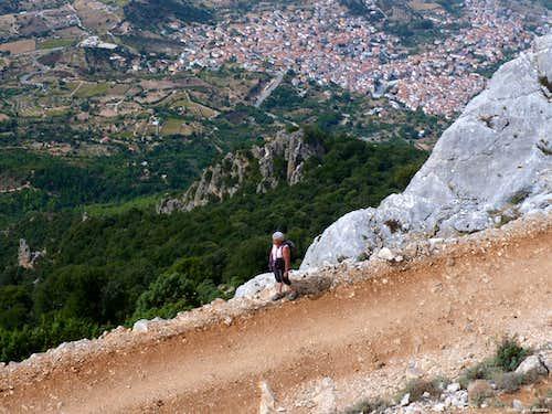 Hanging road to Scala e' Pradu