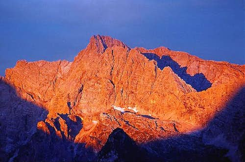 The first light on Hochkalter...