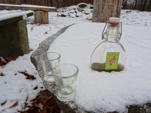 <a href=&quot;http://www.summitpost.org/rakia-tasting-in-velika-paklenica/805499&quot;>Croatian liqueur</a> on Gromnik