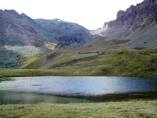 Gran Paradiso Group: Col di Entrelor <i>(3002m)</i><br>from the shore of Lago Djuan <i>(2516m)</i>