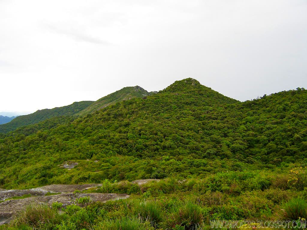 Selado Peak (left one) as seen from the trail