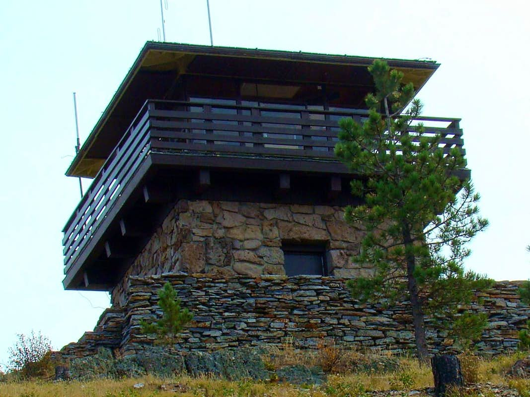 Custer peak tower photos diagrams topos summitpost for Fire tower cabin plans