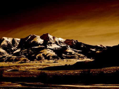Emigrant Peak at dusk, Paradise Valley, Montana