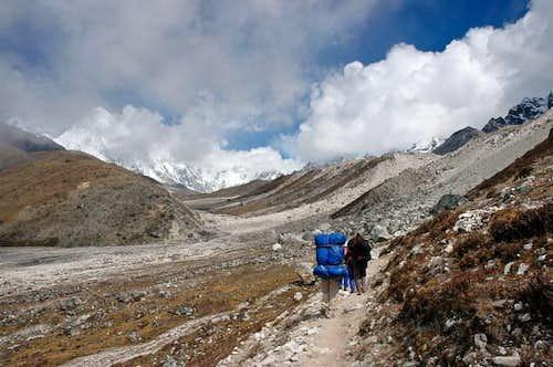 Endless moraines of Khumbu...