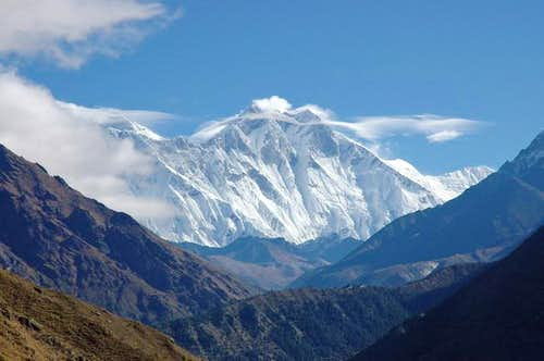First glimpse of Everest left...