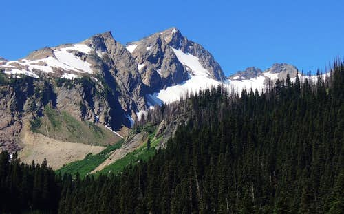 Luahna peak from the Napeequa valley