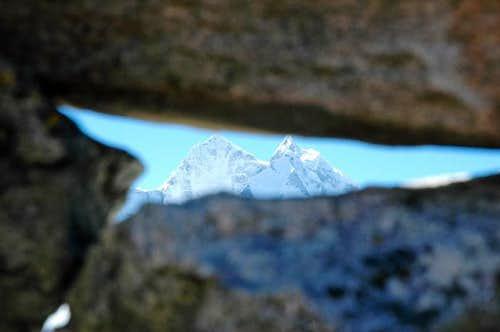 Kangtega in the rocks, seen...