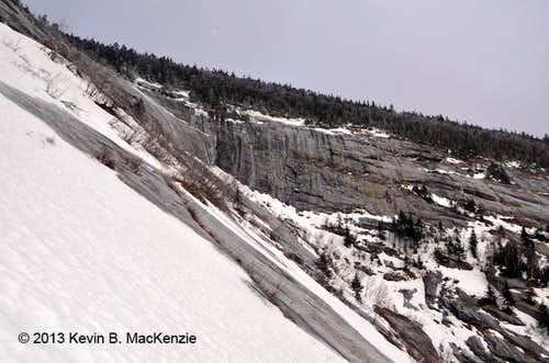 Approaching the Ledges of Giant Mtn\'s East Face Slide
