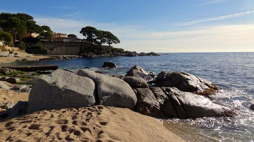 Granitic outcrops on this seaside