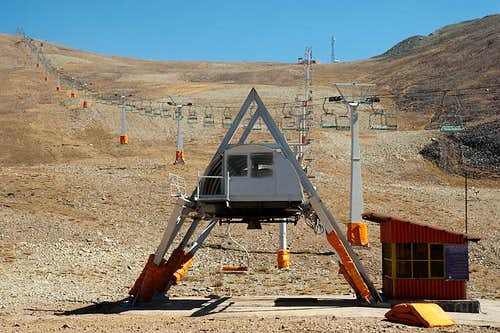 Cable car station on Tochal