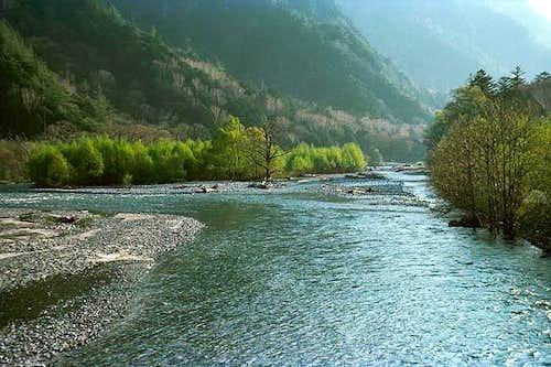 Azusa river which flows the...