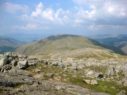 View north along the ridge from Allen Crags to Glaramara
