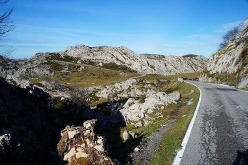 Road to Lagos de Covadonga
