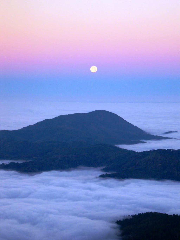 Moonset over the Pacific. Vulcan Peak, Kalmiopsis Wilderness Oregon