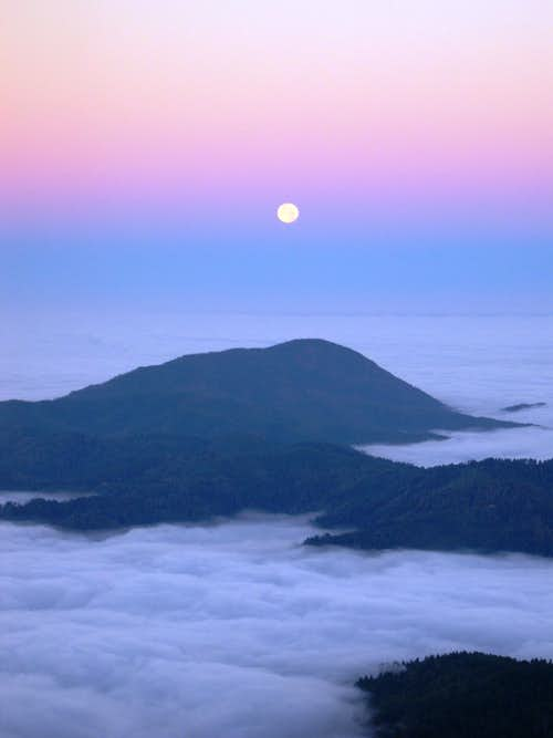 Moonset over the Pacific. Vulcan Peak, Kalmiopsis Wilderness Oregon