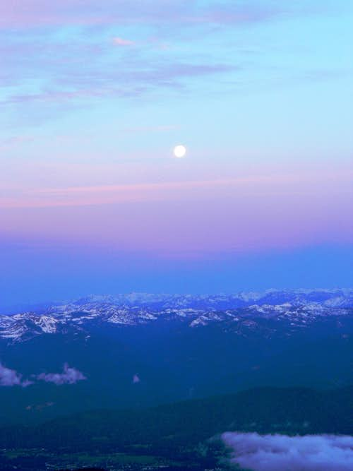 Moonset from the Casaval Ridge