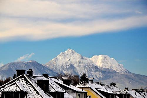 Hochstaufen and Zwiesel on a winter morning