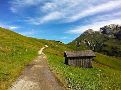 On the path to Bürstegg