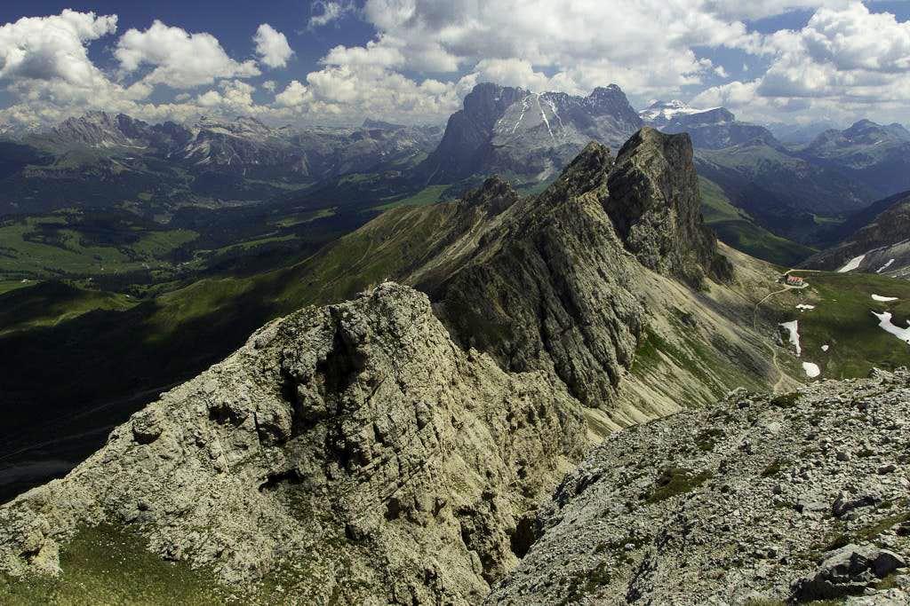 Looking across the ridge to Großer Roßzahn