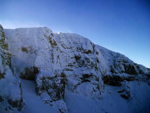 veliki troglav in snow