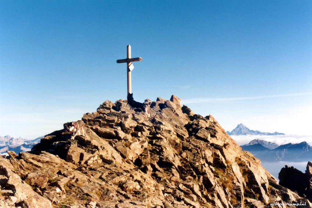 The summit cross of Monte Tenibres