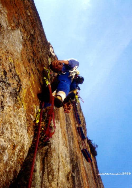 Aid-climb on Straight Action (Fremamorta Mirror)