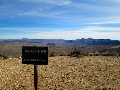 Sign at the top of Ryan Mountain, Joshua Tree National Park
