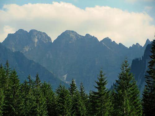 Sharp ridge of Javorove Szczyty