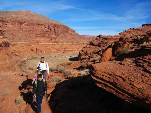 Walking to Morocco Canyon