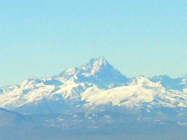 Monviso from 75 km zooming...