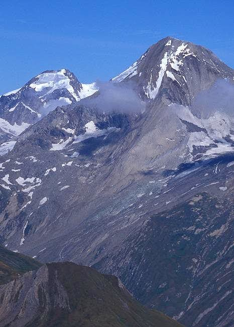 a close-up on Roetspitze seen...