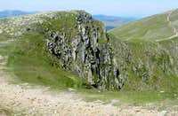 Crags on Dollywaggon Pike