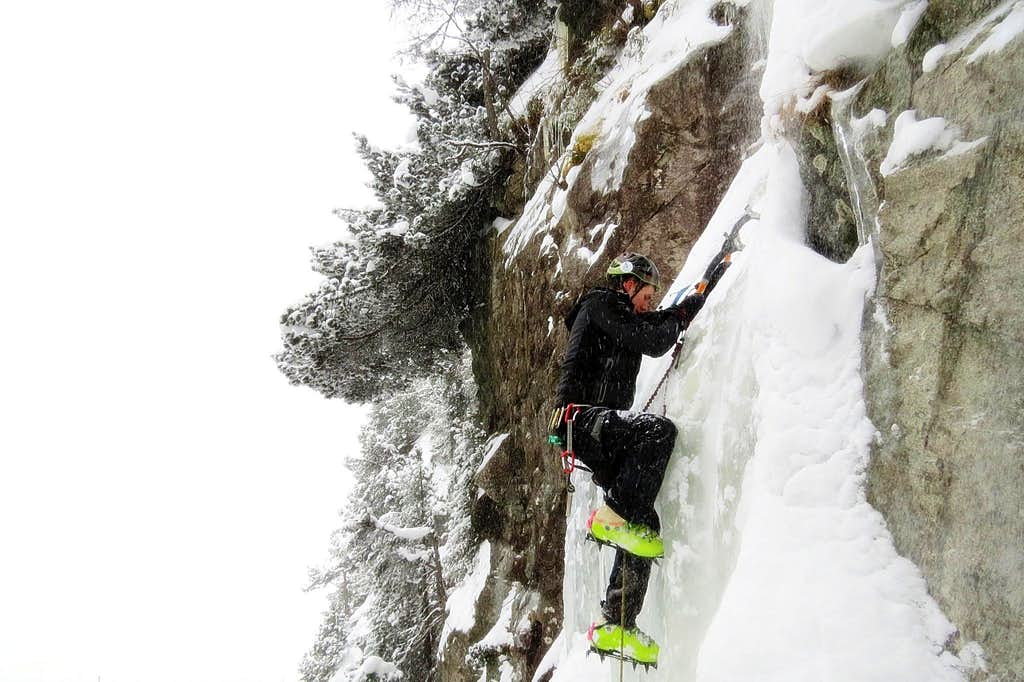 Climbing the Zahradki icefall