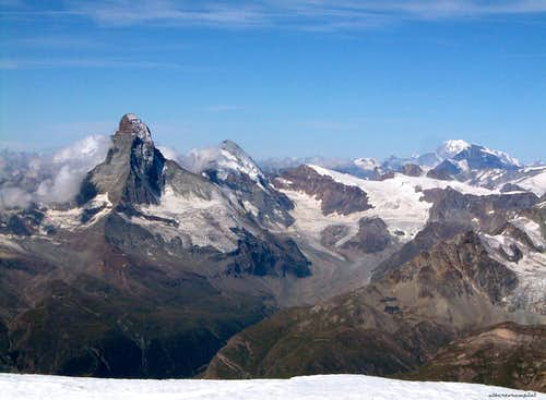 Cervino - Matterhorn classic view from N-E (Alphubel summit)