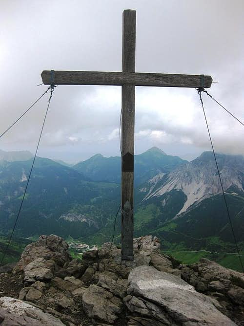 Augstenberg 'summit' cross (2359m), at the wrong place...