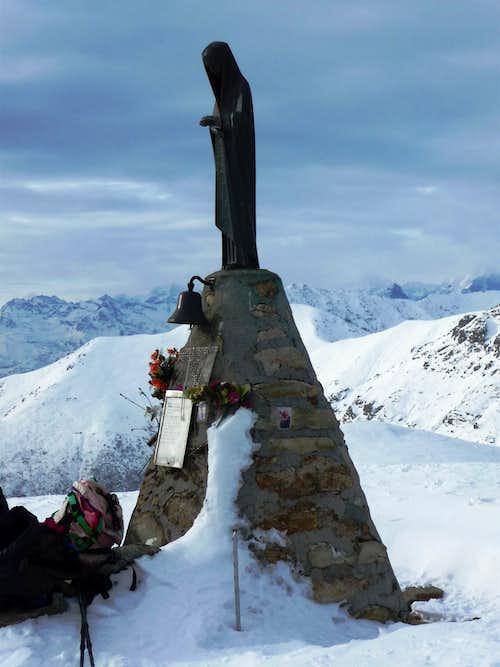 Monte Soglio Madonna summit
