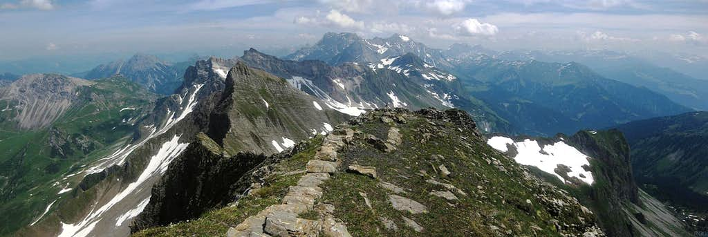 Panorama from Vorder Grauspitz to the east, to Schwarzhorn, Naafkopf, Schesaplana et al.