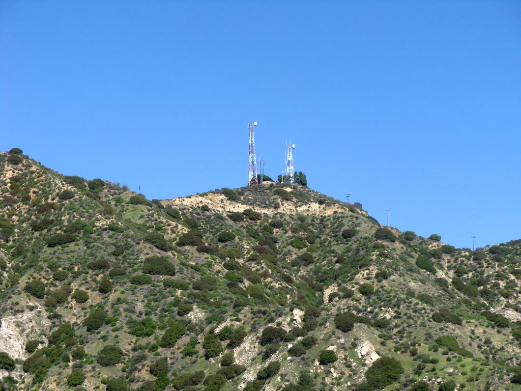Summit View shot with zoom from Wildwood Canyon Trail