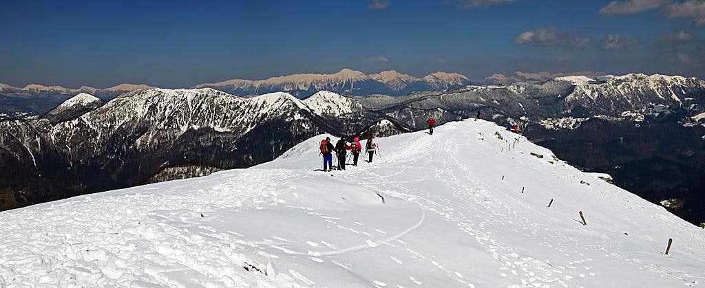 The summit ridge of Porezen